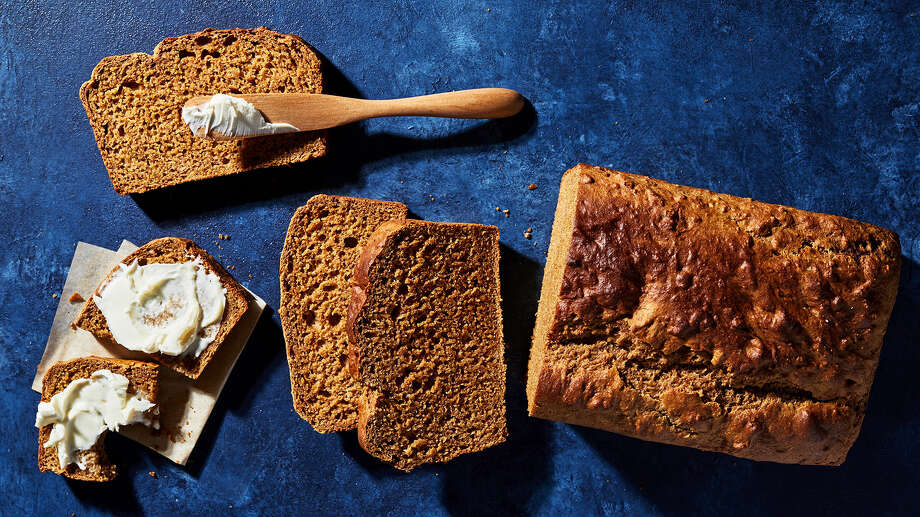 Honey Molasses Wheat Bread. Photo: Photo By Stacy Zarin Goldberg For The Washington Post; Food Styling By Lisa Cherkasky For The Washington Post. / For The Washington Post