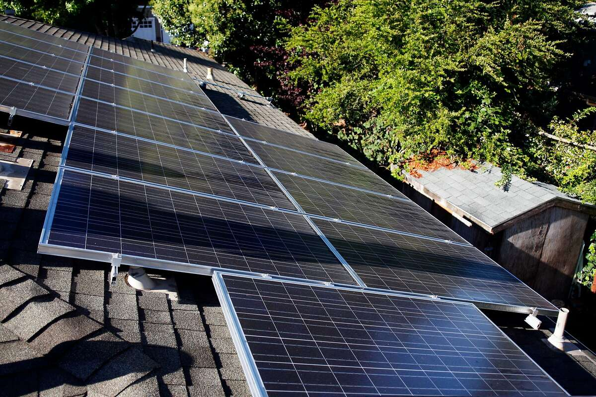 Ted Lieser and Suzanne DiBianca use leased solar panels on their roof in Mill Valley, Calif. With a solar lease, a company such as San Francisco's SunRun will install, own and maintain solar panels on your home, while you pay for the electricity the panels produce. You get the power without having to pay for the panels. Solar leases for homeowners didn't exist five years ago, but they've quickly become common.