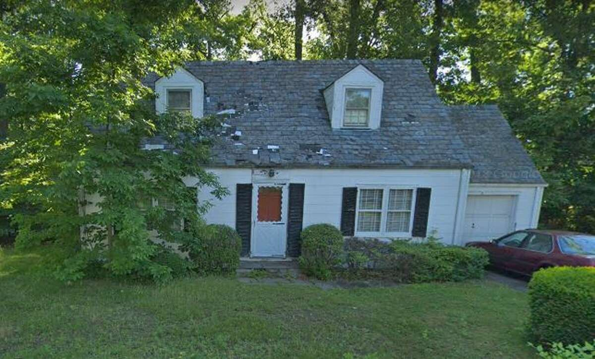 8 Hickory Drive in Greenwich sold for $800,000.