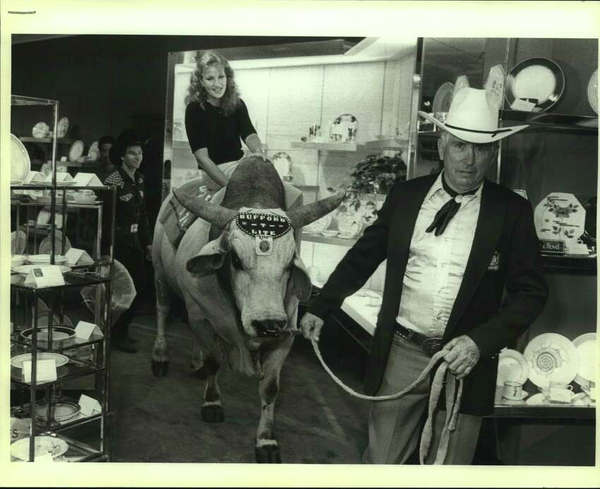 Jjm Shoulders, Bufford-T-Lite and Martha Cain at Dillards in Ingram Park Mall in 1983.