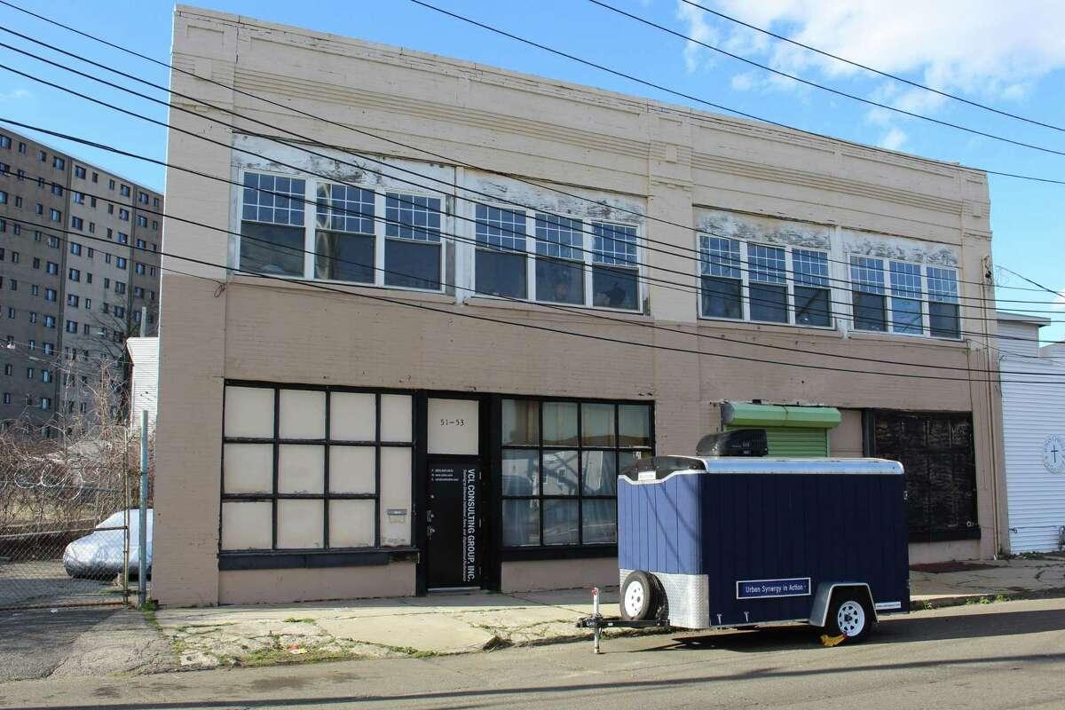 51 Crescent Ave, Bridgeport, CT
