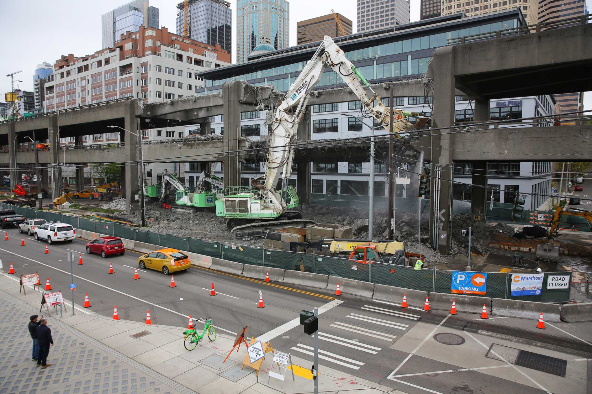 Time-lapse video shows Alaskan Way Viaduct demolition between Marion and Columbia streets in Seattle