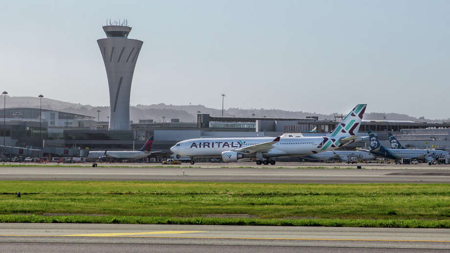 A hole in a runway at San Francisco International Airport caused flight delays on April 11, 2019. Photo: Peter_Biaggi, Peter Biaggi / SFO / SFO