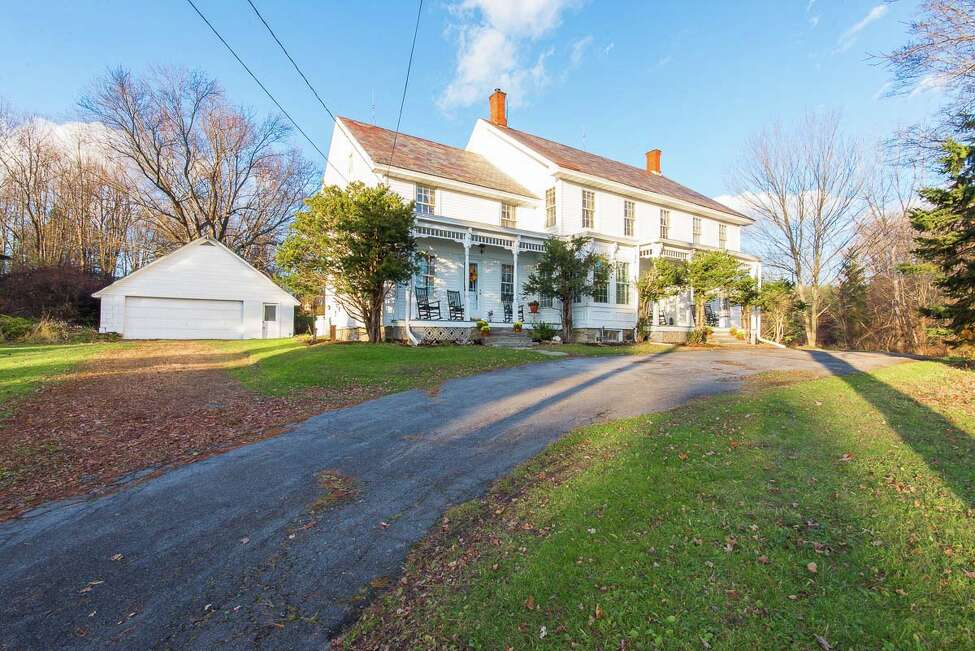 House of the Week: 106 Moore Rd., East Greenbush   Realtor: Vera Cohen of Vera Cohen Realty   Discuss: Talk about this house