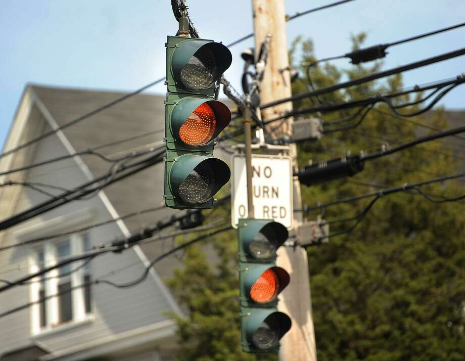 File photo of a traffic light in Bridgeport, Conn. Photo: Brian A. Pounds / Hearst Connecticut Media / Connecticut Post