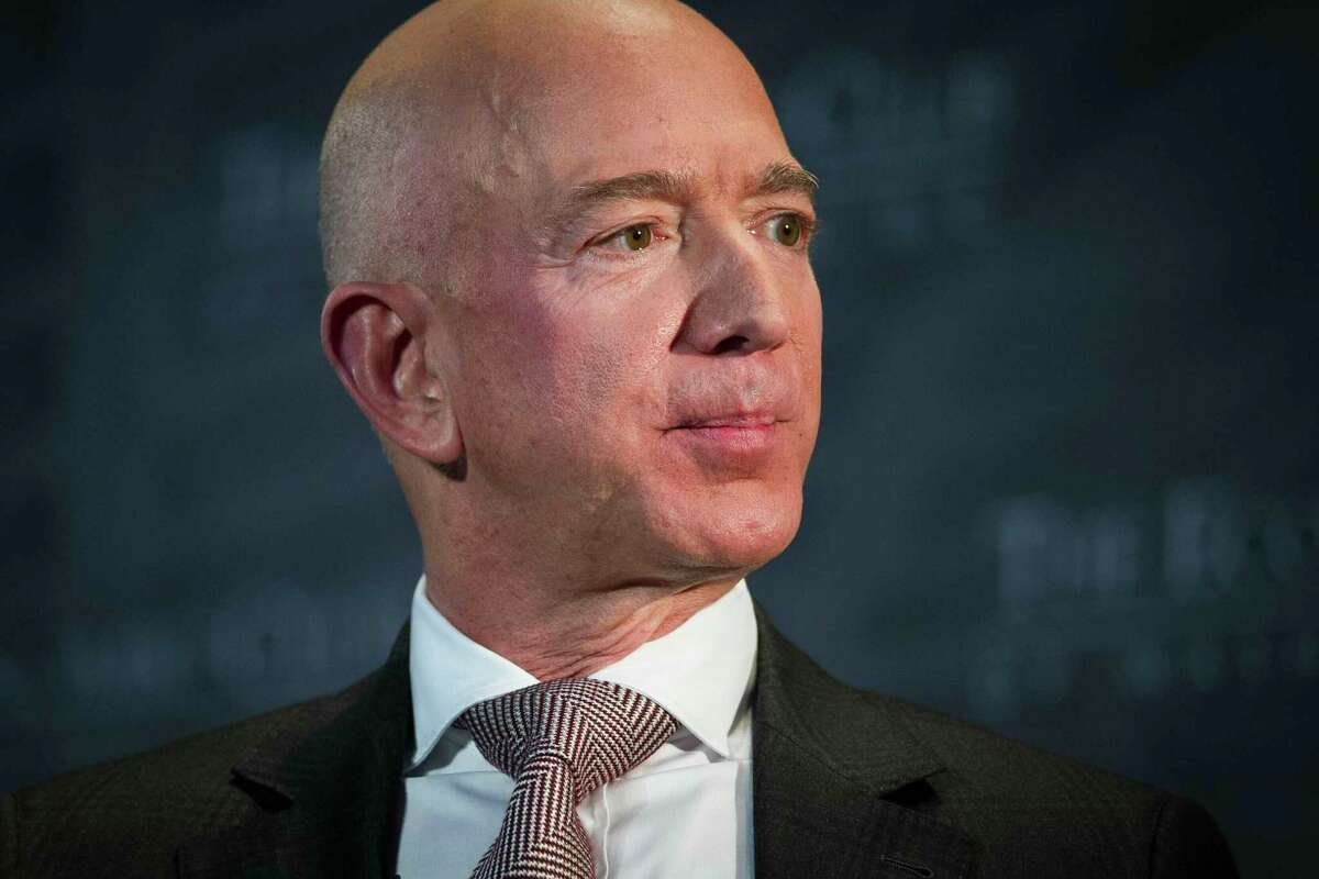 FILE. Letter writer says, ' I never want to hear another word about private space flight, those self-serving jaunts into space by the uber-wealthy.' (AP Photo/Cliff Owen, File)