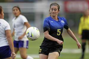 Sophia Connelly bounced back from Alamo Heights' state semifinal loss last season by scoring a school-record 52 goals.