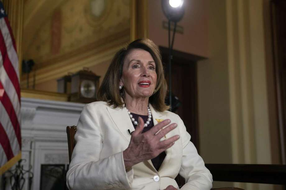 La presidenta de la Cámara de Representantes de Estados Unidos, la demócrata Nancy Pelosi, habla en una entrevista con The Associated Press en suj oficina en el Capitolio, en Washington, el miércoles, 10 de abril del 2019. Photo: J. Scott Applewhite /Associated Press / Copyright 2019 The Associated Press. All rights reserved.