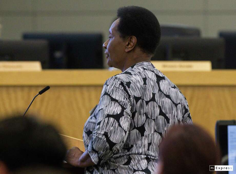 Clara Bent speaks to the Houston ISD school board trustees about the High School Ahead Academy during a monthly board meeting on Thursday, April 11, 2019, in Houston. High School Ahead Academy is a second-chance campus for held-back students that HISD officials are recommending for closure ahead of the 2019-2020 school year. Photo: Yi-Chin Lee, Houston Chronicle / Staff Photographer / Houston Chronicle
