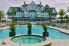The pool side of the Belleview Inn