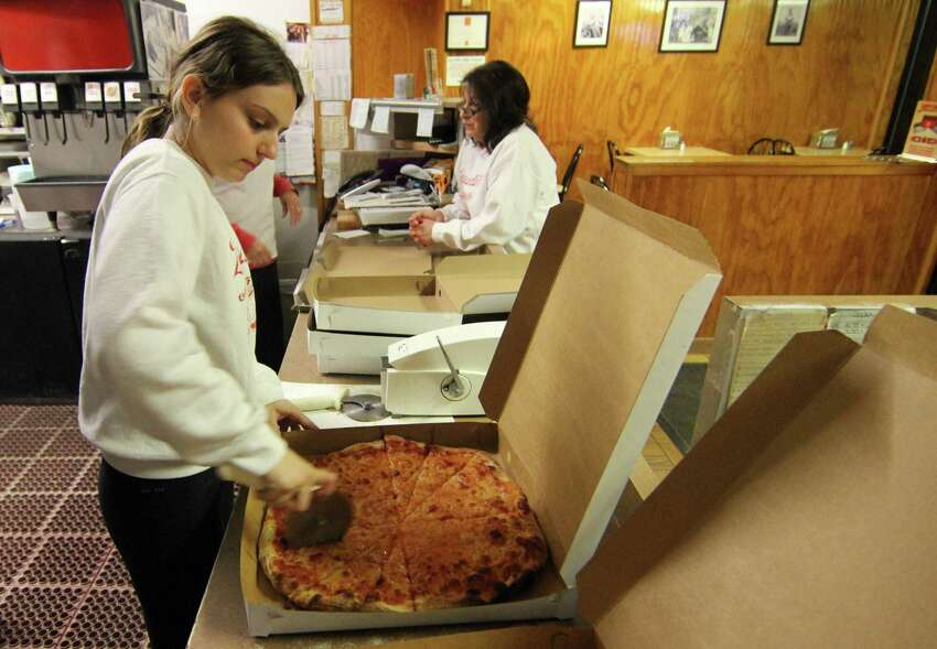 Zuppardi's Apizza (West Haven) 179 Union Ave *Lost in round 3 to Modern Apizza*