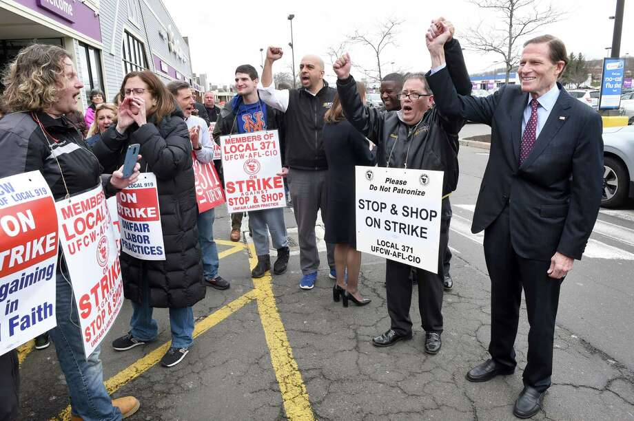 Lt. Governor Susan Bysiewicz (center-back to camera) and U.S. Senator Richard Blumenthal (right) join striking workers at the Dixwell Avenue Stop & Shop in Hamden on April 12, 2019.  Richie Johnson of the United Food & Commercial Workers Union Local 371 stands between Bysiewicz and Blumenthal. Photo: Arnold Gold, Hearst Connecticut Media / New Haven Register