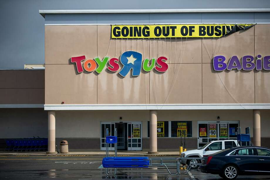Toys R Us stores like this one in Woodbridge, N.J., have been among those to close in the past year. Photo: Emma Howells / New York Times 2018