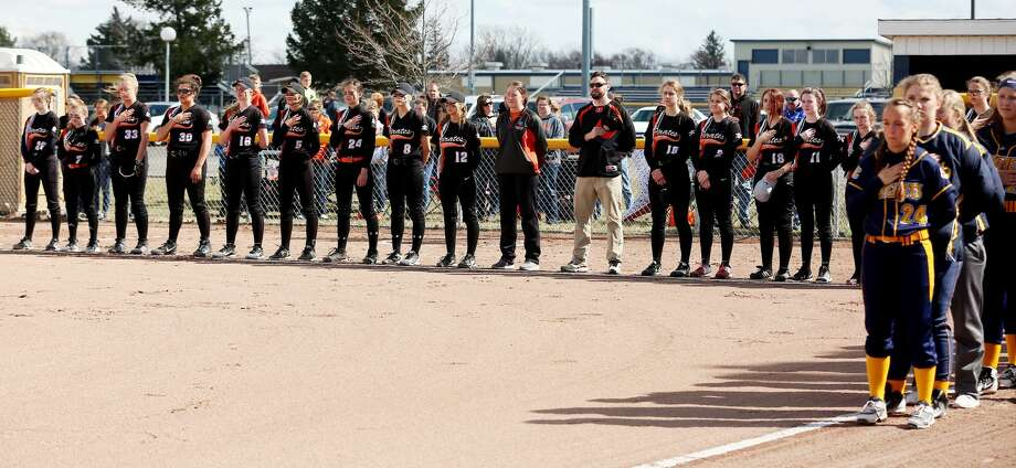 Harbor Beach at Bad Axe — Softball Photo: Paul P. Adams/Huron Daily Tribune