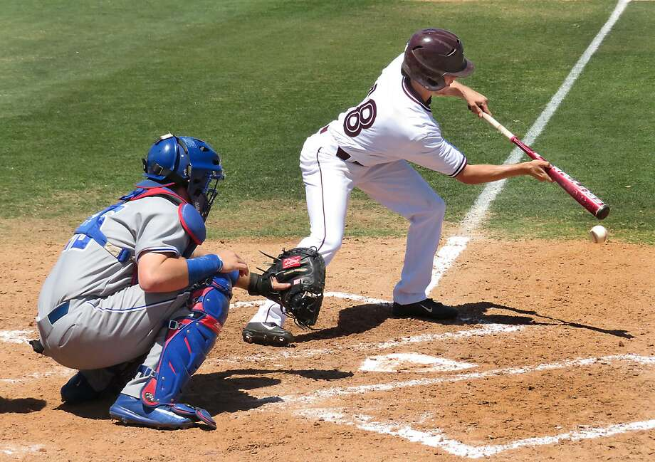 Adrian Castillo scored TAMIU's lone run on Friday as part of their 11-1 defeat at St. Mary's in the rubber match of their road series. Photo: Cuate Santos /Laredo Morning Times File / Laredo Morning Times
