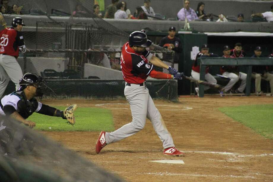 Roberto Valenzuela was 2-for-5 with three strikeouts Saturday in the Tecolotes' 8-6 loss at Saltillo. Valenzuela is batting .448 since going hitless in the season opener. Photo: Courtesy Of The Tecolotes Dos Laredos /file / FVALDES