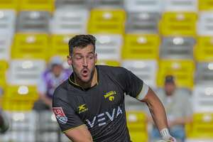 April 13, 2019:  Houston SaberCats flyhalf Sam Windsor (10) gets ready to pass the ball during the Major League Rugby match between the Seattle Seawolves and Houston SaberCats at Aveva Stadium in Houston, Texas.
