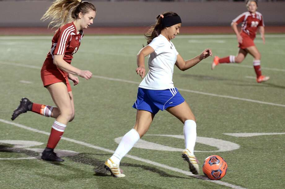 Martin's Jazmin Ramirez was named Utility Player of the Year in District 29-5A. Photo: Cuate Santos /Laredo Morning Times File / Laredo Morning Times