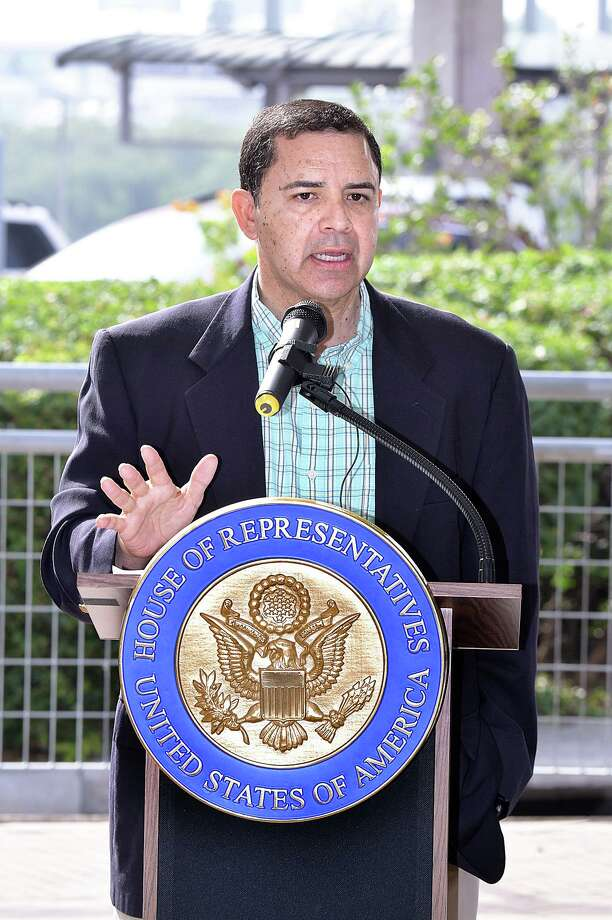 After meeting with city officials and representatives of the trucking and customs brokers associations, representative Henry Cuellar, spoke to members of the media at the Gateway to the Americas International Bridge, Friday, April 5, 2019. Photo: Cuate Santos / Laredo Morning Times / Laredo Morning Times
