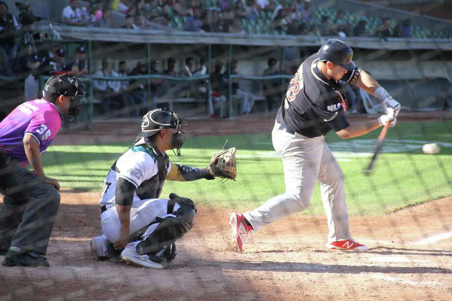 The Tecolotes allowed nine runs in two innings and fell 15-6 on Sunday at Saltillo to drop two of three in the series. DH Balbino Fuenmayor was 3-for-4 with his third home run in the loss. Photo: Courtesy Of The Tecolotes Dos Laredos / / FVALDES
