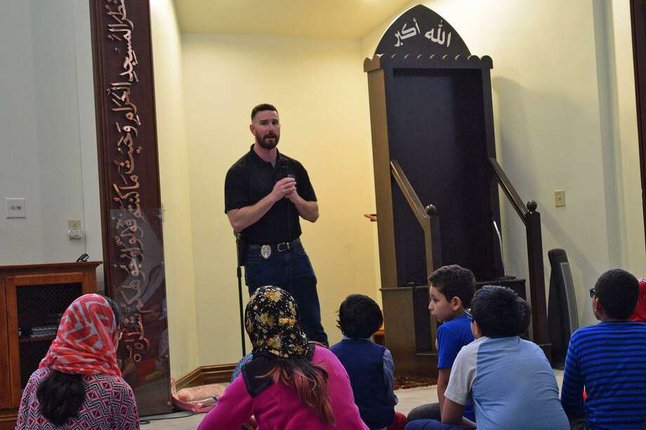 Detective Theodore Fuini of the Berlin Police Department leads an active shooter training session at Islamic Association of Greater Hartford mosque on Sunday, April 14, 2019. Photo: Islamic Association Of Greater Hartford Facebook Photo