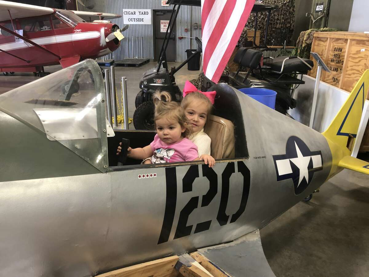 Open Cockpit Day: Anna Breyman, left, and Stella Breyman