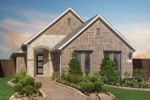 Plantation Homes has introduced a Signature Series of homes designed for 40-foot lots in Grand Mission Estates.