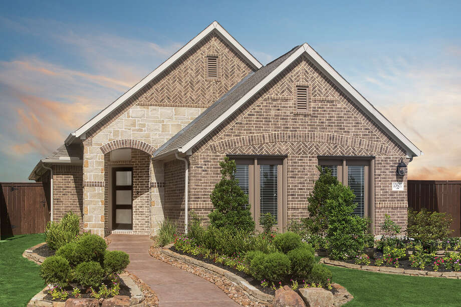 Plantation Homes has introduced a Signature Series of homes designed for 40-foot lots in Grand Mission Estates. Photo: Plantation Homes