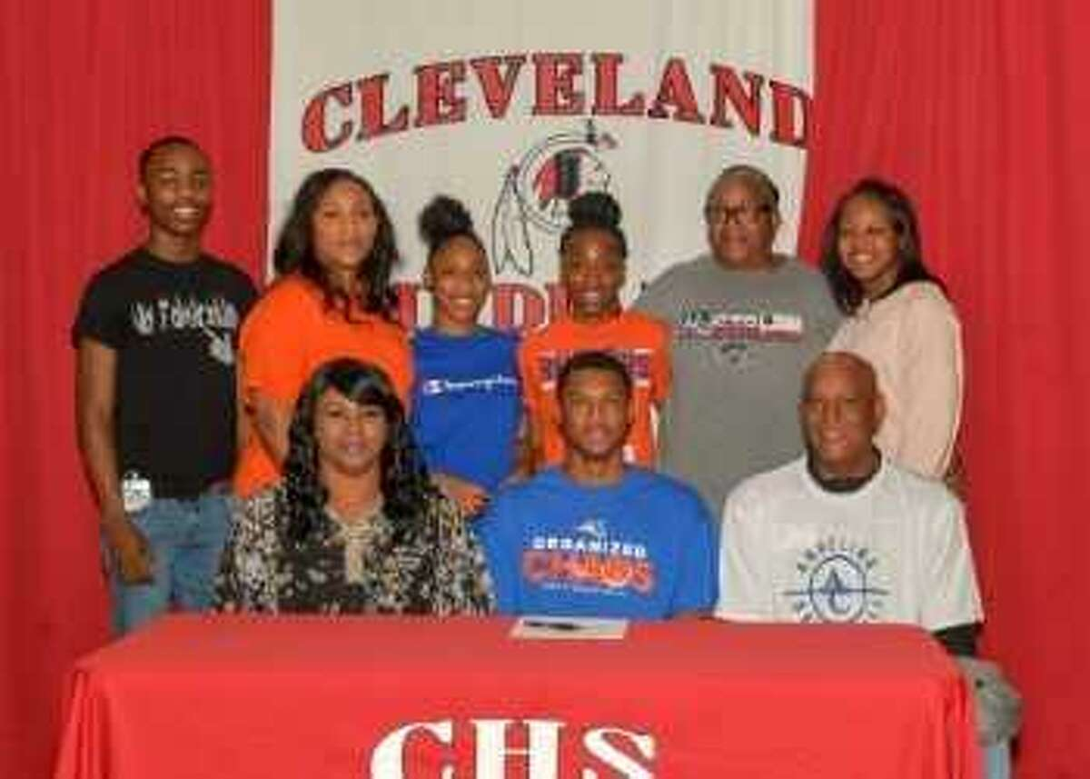 Cleveland's Chance Browns signs to play basketball at Angelina Junior College.