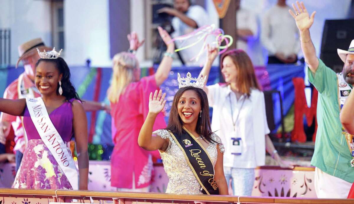 2018 Miss San Antonio Ashley Sneed (left), 2017 Miss Queen of Soul Malia Martinez, and others pass thorough the Arneson River Theatre at La Villita during the 2018 Texas Cavaliers River Parade.