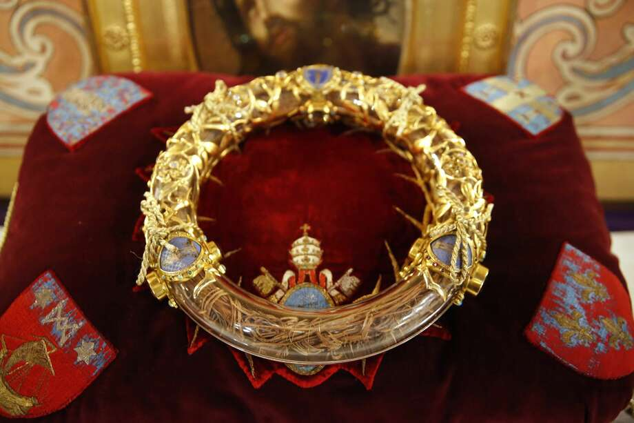 Notre-Dame de Paris cathedral. The holy crown of thorns worn by Jesus Christ during the Passion. (Photo by: Godong/UIG via Getty Images) Photo: Godong/UIG Via Getty Images