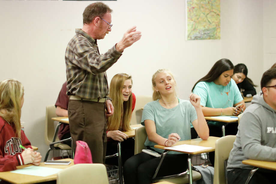 Midland High psychology teacher Robert Benson leads students through a lesson April 15, 2019.  James Durbin / Reporter-Telegram Photo: James Durbin / Midland Reporter-Telegram / ? 2019 All Rights Reserved