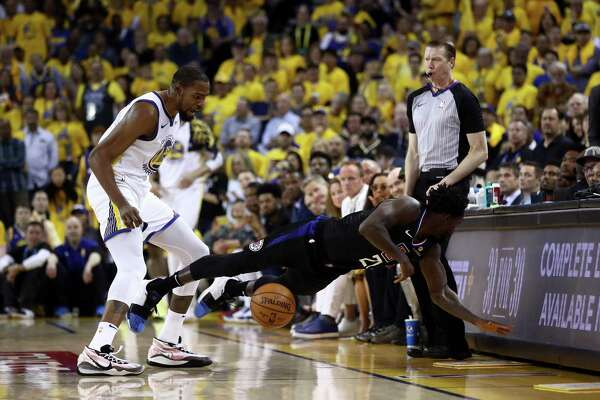 127907afabef Warriors  Kevin Durant apologizes for getting tossed from Game 1 ...