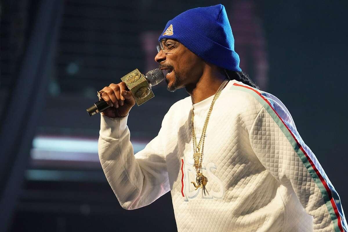 DJ Snoopadelic aka Snoop Dogg will visit Laredo for the first time on Thursday, November 7.