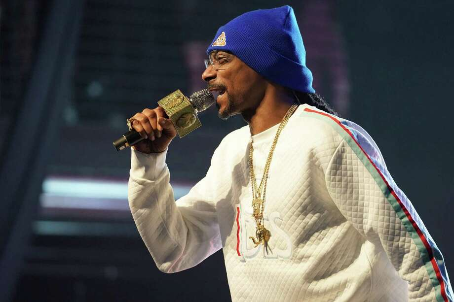 Snoop Dogg performs onstage at Salute the Troops Music and Comedy Festival on March 23, 2019 in Pomona, California. Photo: Erik Voake, Stringer / Getty Images For Salute The Troops / 2019 Getty Images