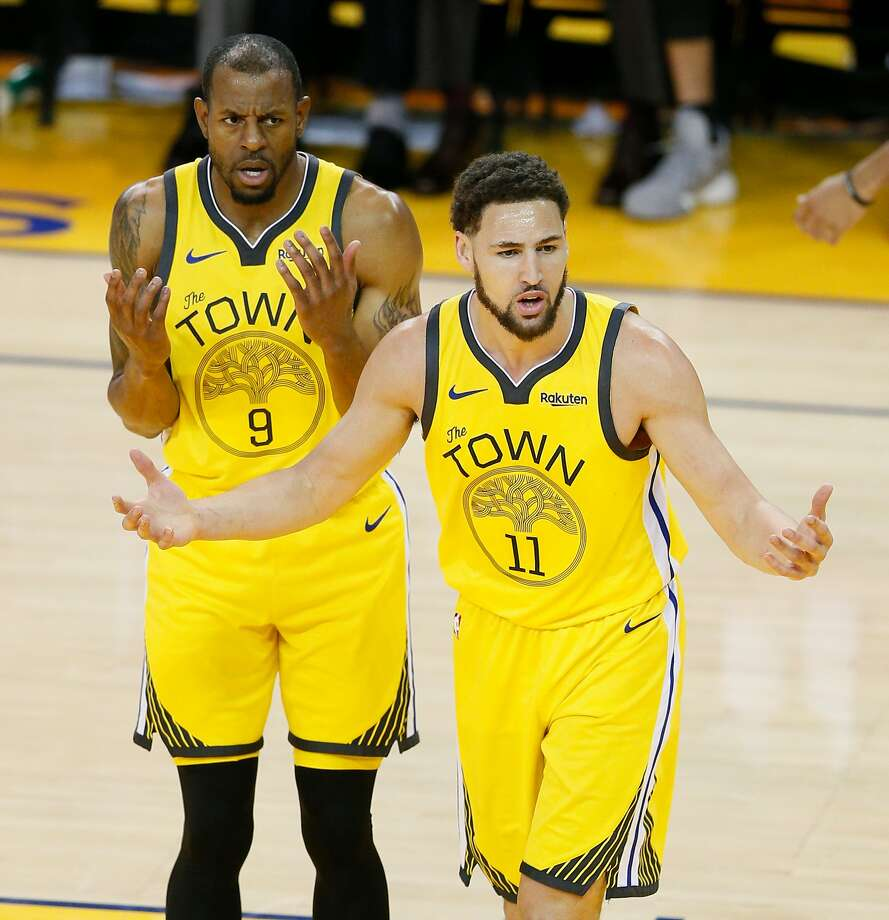 Golden State Warriors Andre Iguodala and Klay Thompson react to a foul call against Thompson in the second quarter during game 2 of the Western Conference Playoffs between the Golden State Warriors and the Los Angeles Clippers at Oracle Arena on Monday, April 15, 2019 in Oakland, Calif. Photo: Santiago Mejia / The Chronicle
