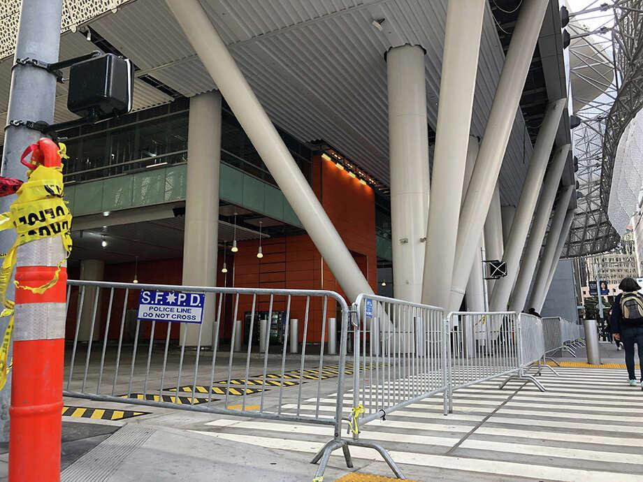 The shuttered Salesforce Transit Center last September. | Photos: Teresa Hammerl/Hoodline