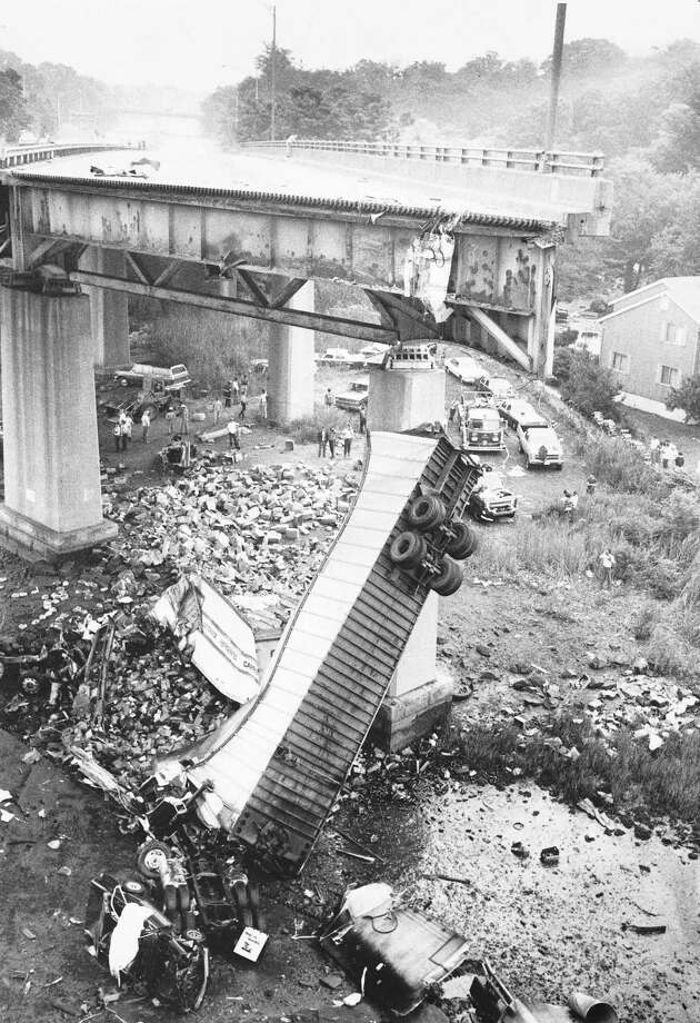 Elkinson - June 29, 1983 - Overview of the wreckage from the collapse of the Mianus Bridge. Photo: Elkinson / ST