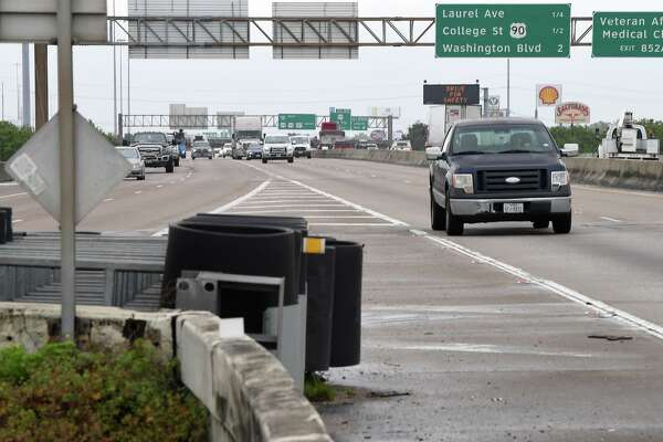 East bound traffic on Interstate 10 splits at the exchange near 11th Street on Thursday. The Texas Department of Transportation is proposing a $500 expansion project and is looking to area residence for suggestions. Photo taken Thursday, 4/4/19