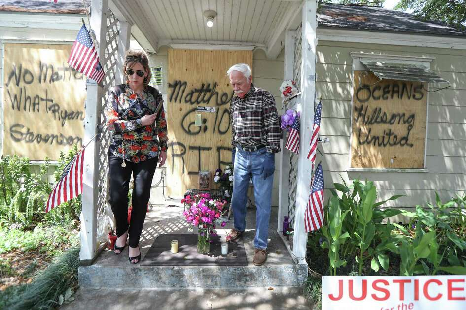 Paralegal Shawna Fugate (left) helps Cliff Tuttle, uncle of shooting victim Dennis Tuttle, on Tuesday, April 16, 2019 as they prepare to enter 7815 Harding for the first time since the Jan. 28 botched drug raid.