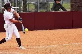 The Dustdevils dropped a pair of non-league games in six innings Tuesday at Tarleton State losing 11-3 and 11-2. Catcher Shelby Edwards was 2-for-3 with a home run and three RBIs in TAMIU's Game 1 loss.