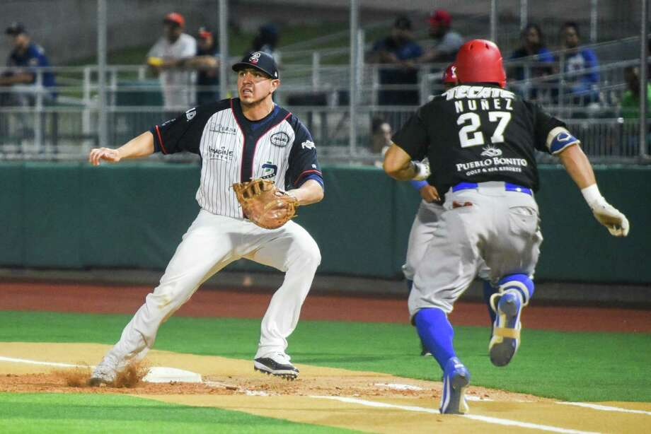 The Tecolotes Dos Laredos avoided their first shutout of 2019 with a two-run homer by first baseman Rudy Flores in the ninth inning. The Tecos fell 5-2 at Uni-Trade Stadium to the Generales de Durango Tuesday. Photo: Danny Zaragoza /Laredo Morning Times