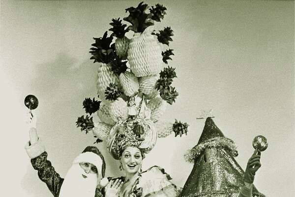 "The first incarnation of ""Beach Blanket Babylon"" featured (l to r) Roberta Bleiweiss, Nancy Bleiweiss and Steve Silver"