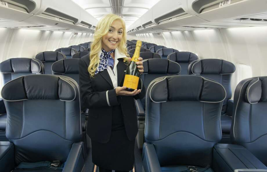 Kaiser Air flies all-business class 737s on a regular schedule between Oakland and Kona on Hawaii's big island. Photo: Kaiser Air