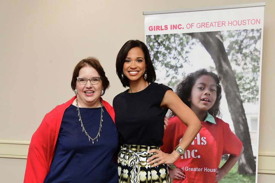 Girls Inc Executive Director Ellen Efsic and KHOU anchor Mia Gradney Photo: Daniel Ortiz