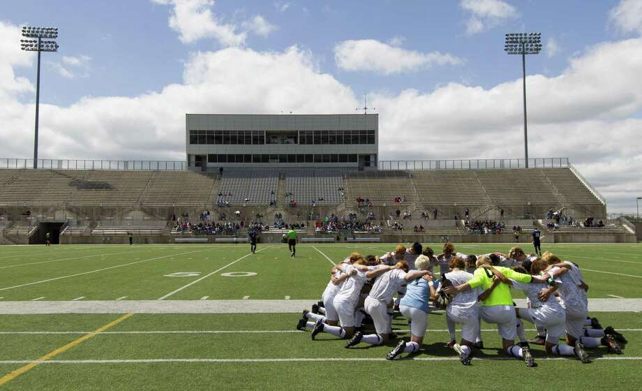 College Park players pray during the first period of the Region II-6A final match at Kelly Reeves Athletic Complex, Saturday, April 13, 2019, in Austin. Photo: Jason Fochtman, Houston Chronicle / Staff Photographer / © 2019 Houston Chronicle