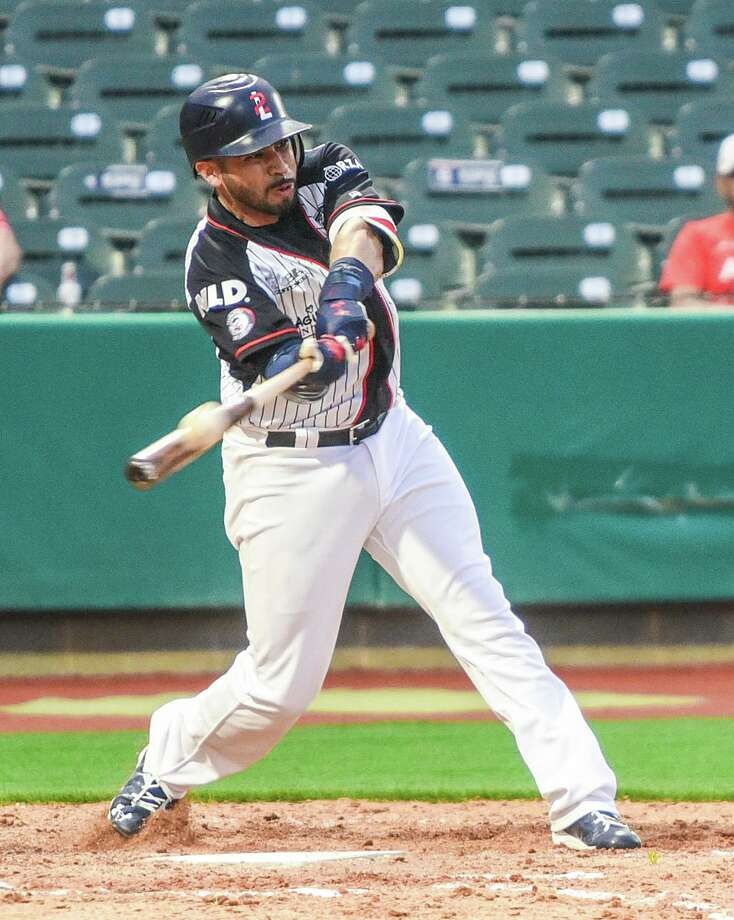 Juan Martinez was 2-for-5 with two RBIs in the Tecos' win over Tijuana Sunday. Photo: Danny Zaragoza / Laredo Morning Times File