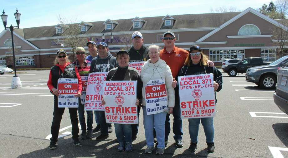 Westport Stop & Shop employees were on strike outside the Post Road store on April 17. Photo: Sophie Vaughan / Hearst Connecticut Media / Westport News