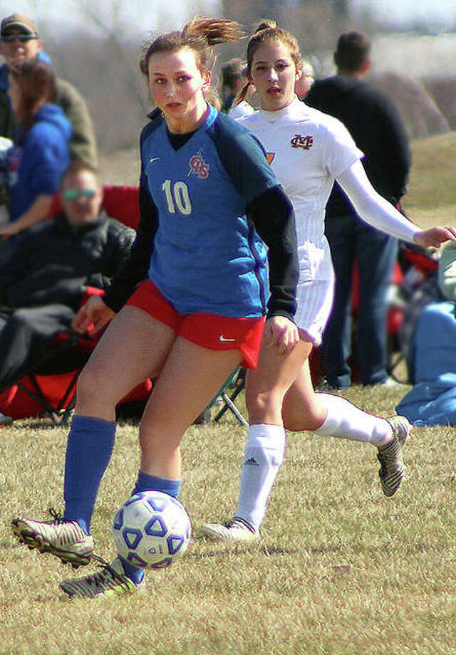 Carlinville's Lexi Egelhoff (10) controls the ball against Civic Memorial. She and her Cavies teammates played the Eagles to a 0-0 tie Wednesday in Carlinville. Photo: Pete Hayes | The Telegraph