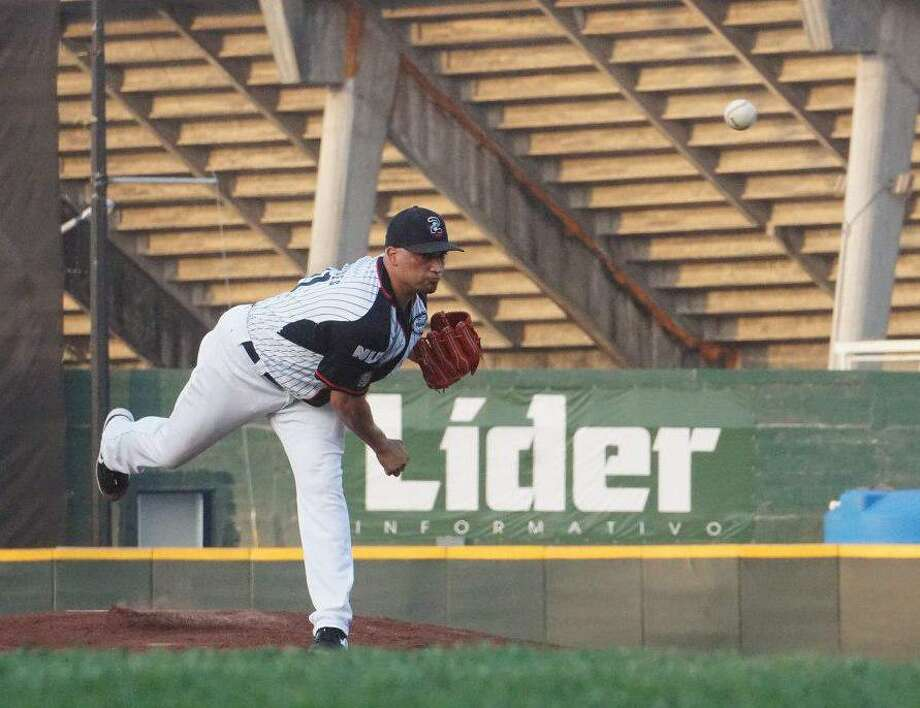 The Tecolotes lost 13-6 in Nuevo Laredo on Wednesday night to Generales de Durango, guaranteeing their second straight series loss after four consecutive defeats. Pitcher Jose Oyervides lost for the first time this season. Photo: Courtesy Of The Tecolotes Dos Laredos